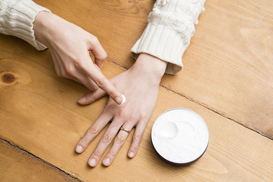 皮膚が乾燥してしまったら保湿する