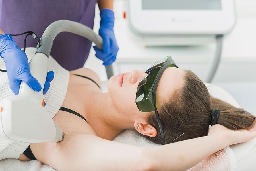 医療脱毛のレーザーには発がん性があるって本当?
